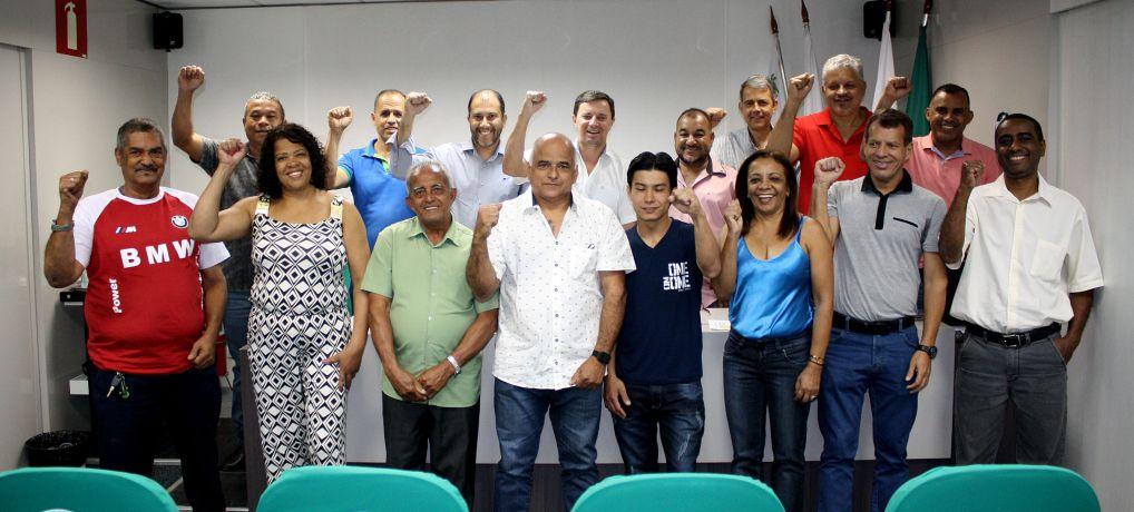 Sindluta empossa diretoria eleita para novo mandato e realiza prestação de contas